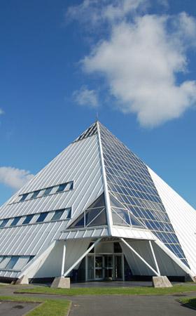 Pyramide Doublet - siège social du groupe