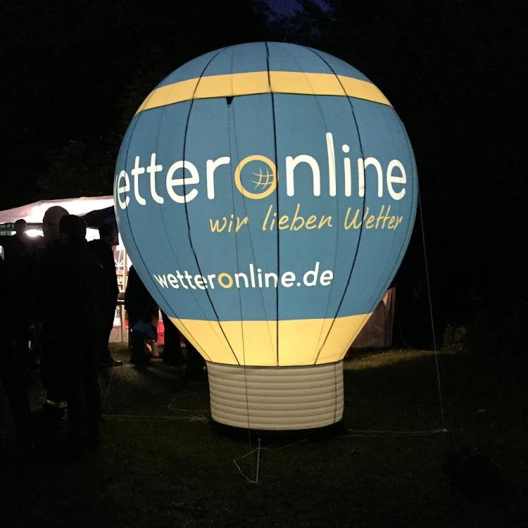 aufblasbarer Ballon beleuchtet