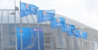 Habillage des villes et des aéroports pour l'UEFA EURO 2016