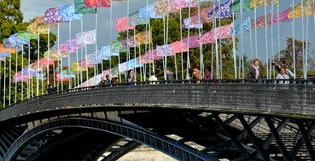 Les drapeaux des nations en mode camouflage