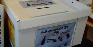 Des urnes en carton pour collecter des stylos destinés au recyclage!