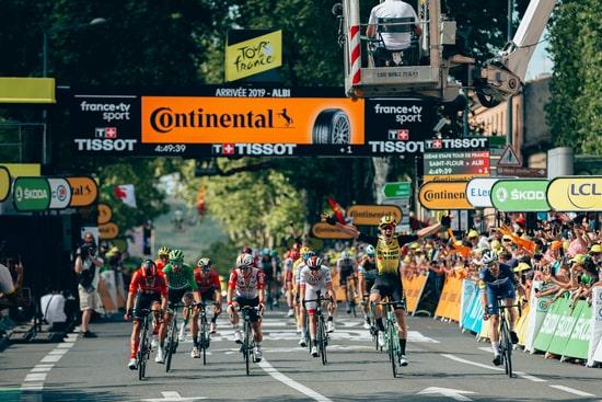 <img src=Coureur dans les 25 derniers km du Tour de France