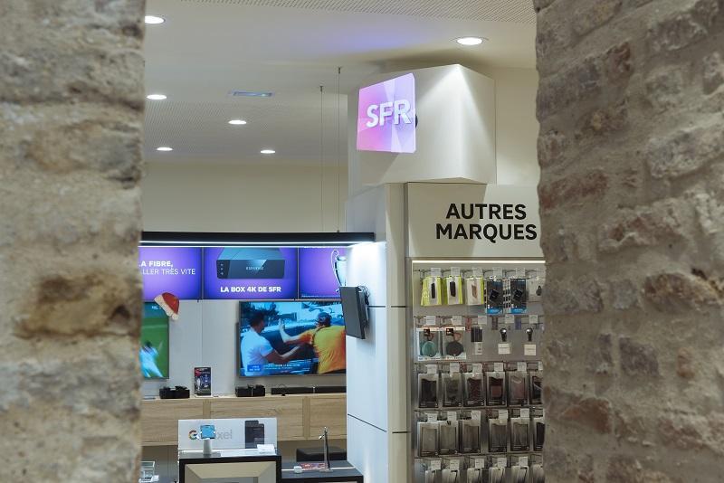 Doublet installe 7 héli 3D dans les boutiques SFR