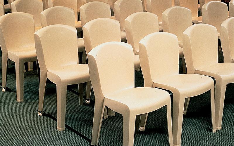 Réglementation concernant les rangées de chaises