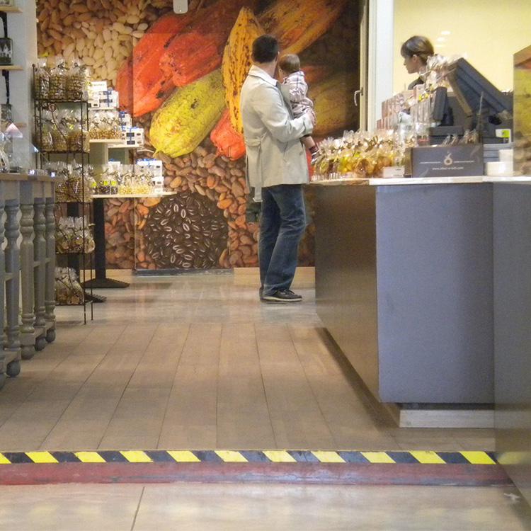 Ruban adhésif jaune/noir pour café/restaurant