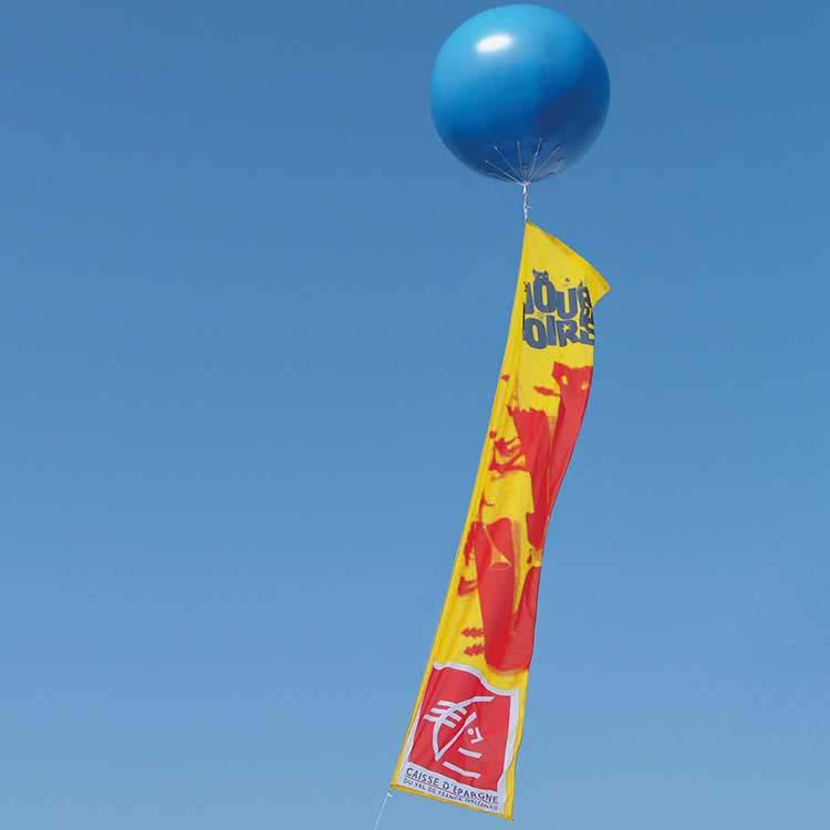 Ballon helium avec bannière publicitaire