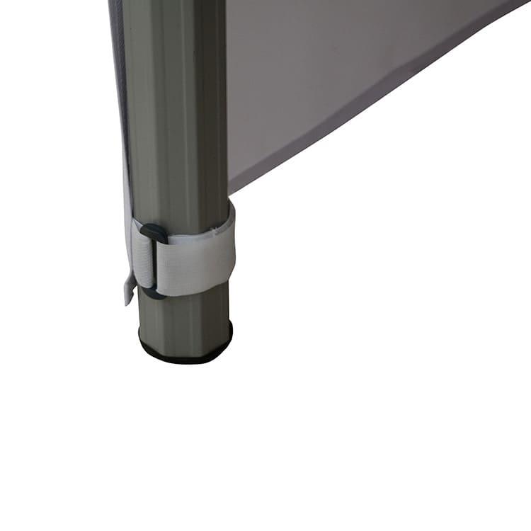 Zoom fixation nappe pour table comptoir pliante