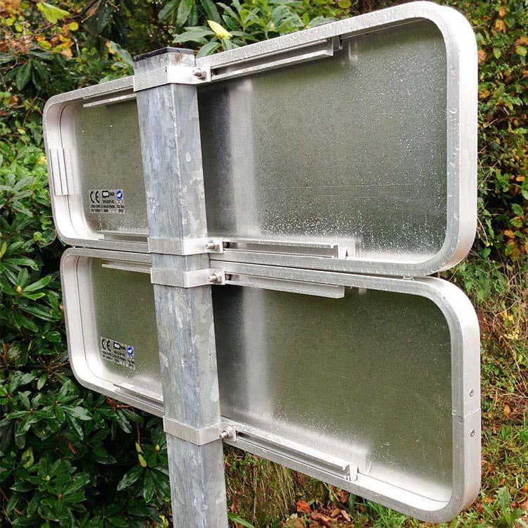 Rail de fixation du panneau de signalisation