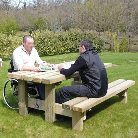 Table de pique-nique Roma pour personnes à mobilité réduite