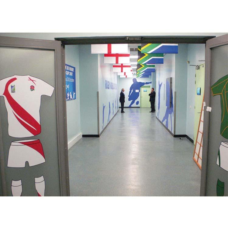 adhésivage d'un couloir