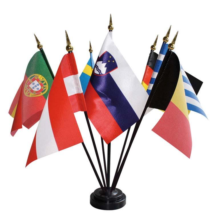 Drapeaux de table des pays en tissu satin