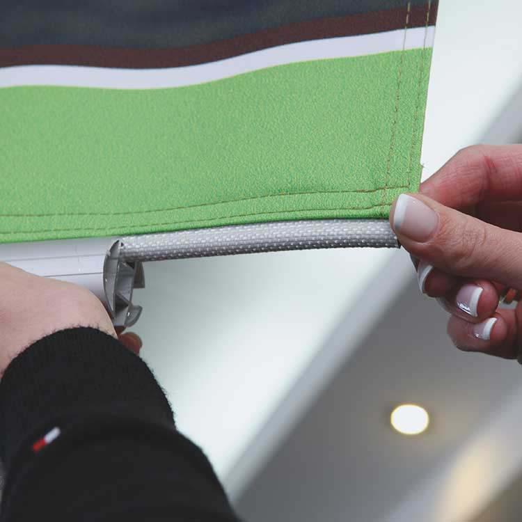 Ouverture du profilé aluminium avec gouttières