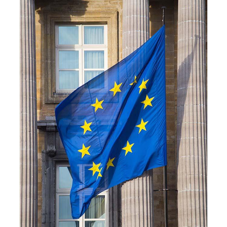 Drapeau Europe sur mât
