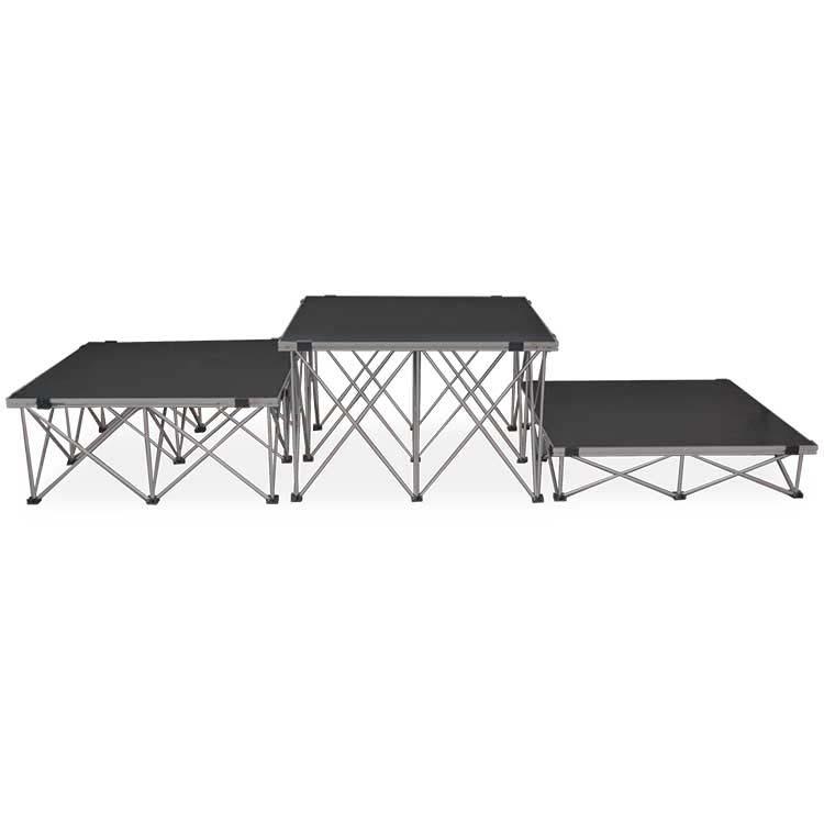 Structures pliantes en aluminium et plateaux en contreplaqué