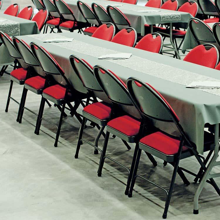 Salle de réception avec chaise 2600 confort