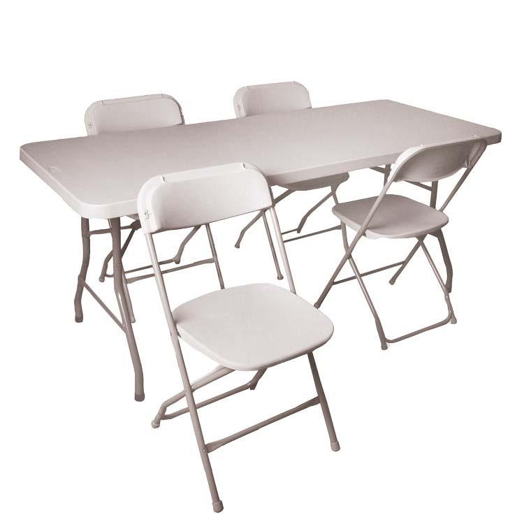 Table et 4 chaises série 2200