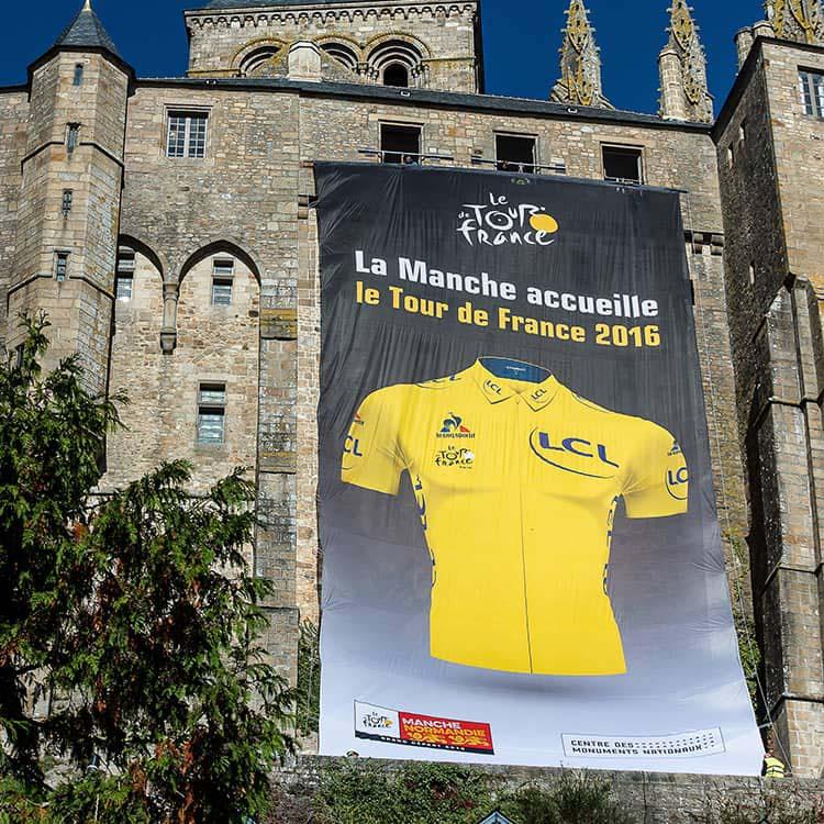 Tissu Géant Tour de France sur le Mont Saint Michel
