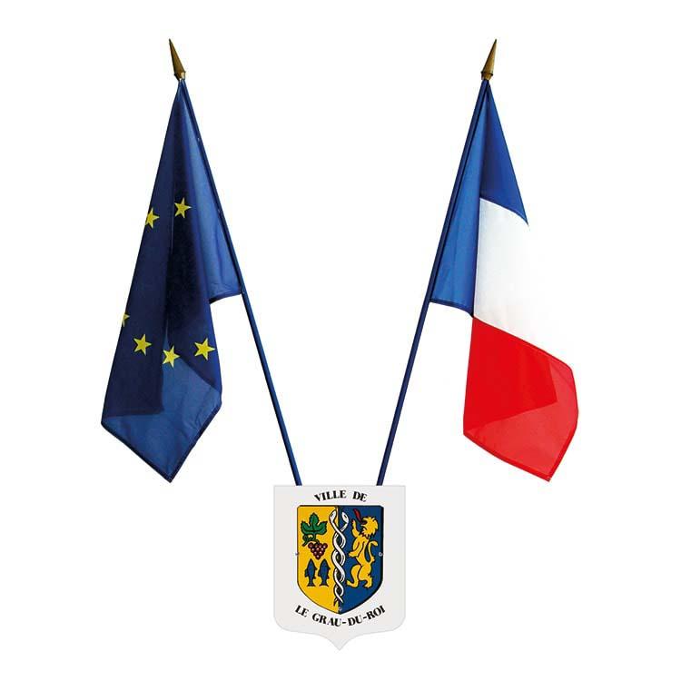 Ecusson porte-drapeaux aux armes de votre commune
