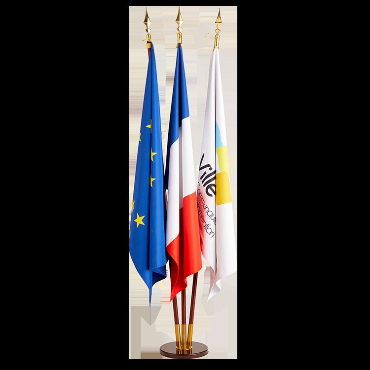 3 drapeaux sur socle