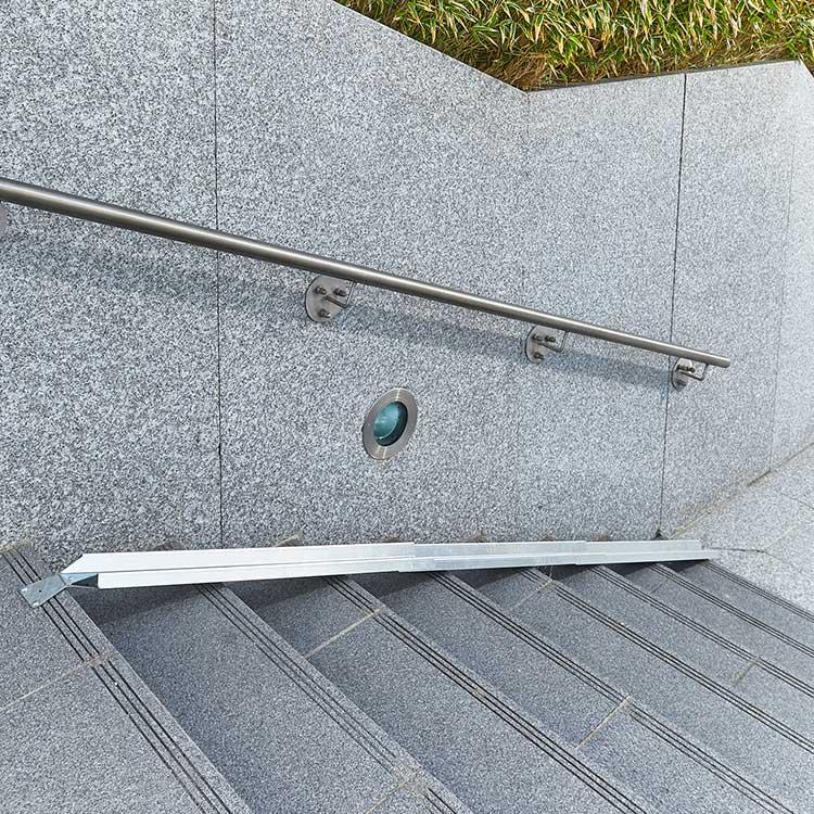 Rampe à vélo pour escalier