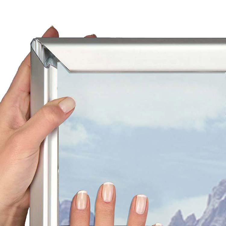 Structure porte affiche intérieur Clip-clap 32 mm