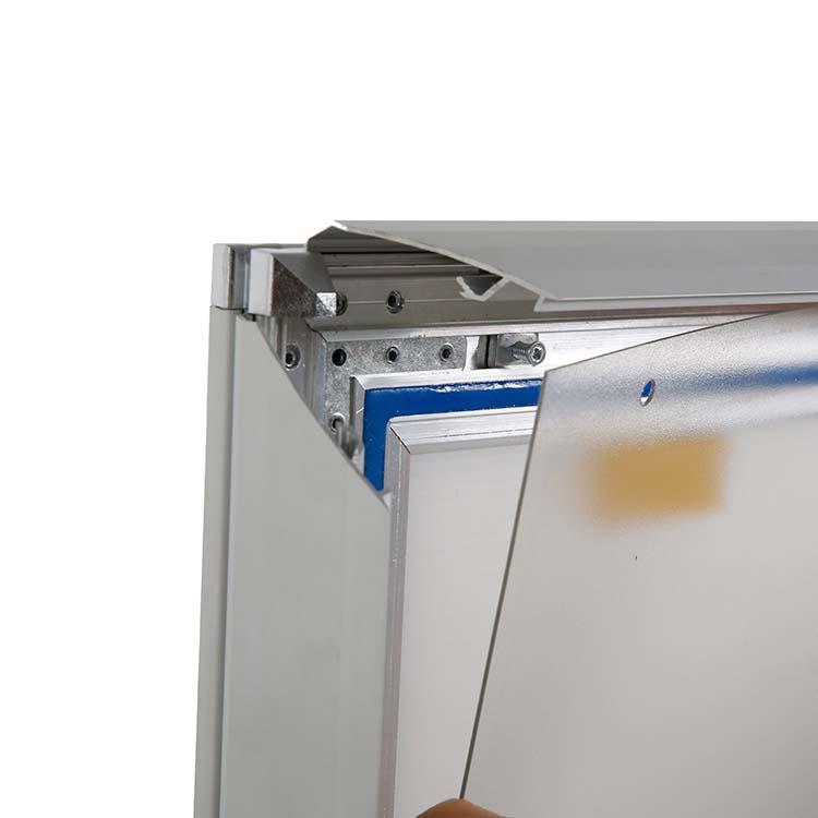 Feuilles de protection transparentes traitées anti-UV