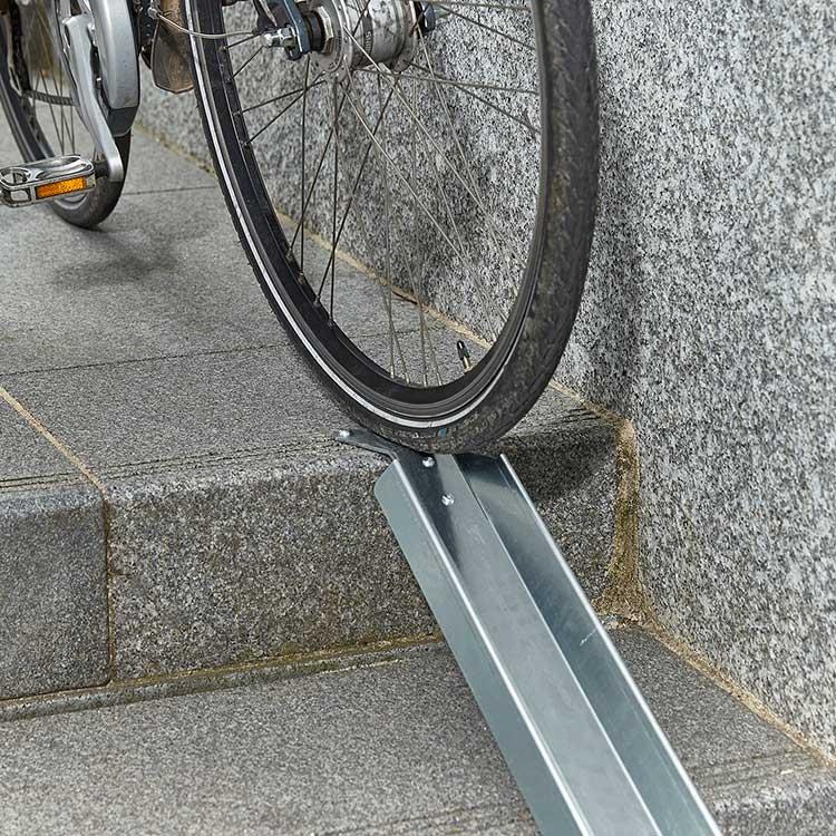 zoom Rampe à vélo pour escalier