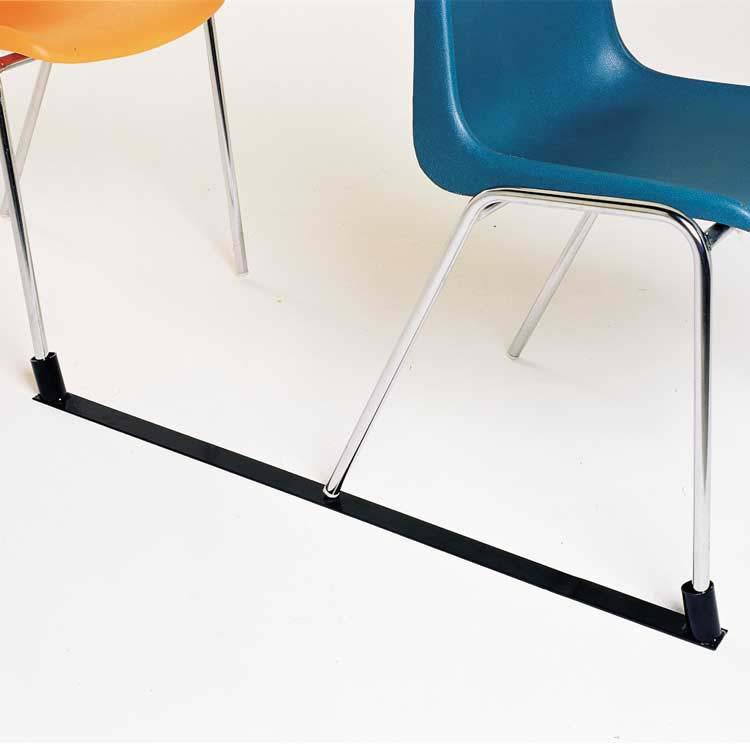 Barre interrangées pour chaises