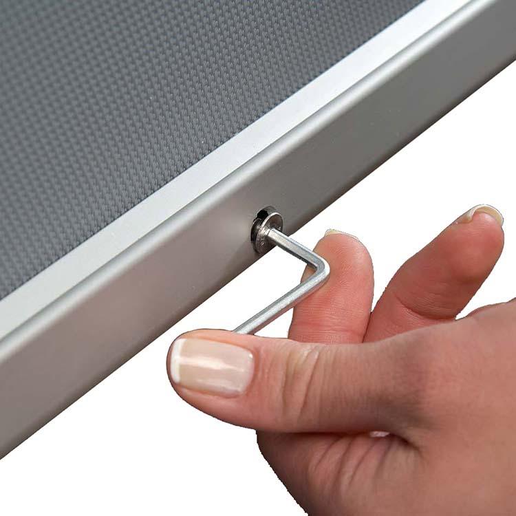 Clé de verrouillage du porte affiche intérieur